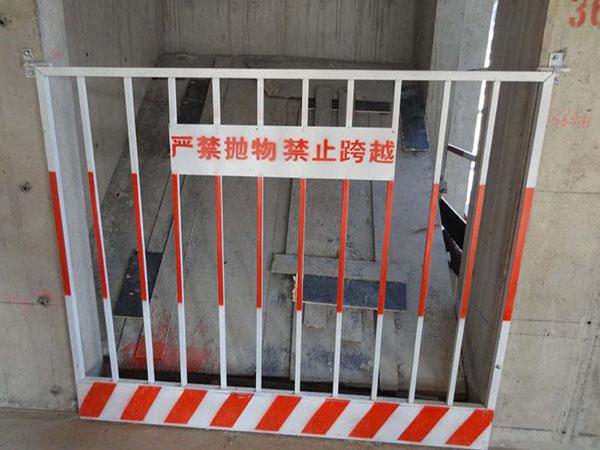 基坑护栏 - 安平县贝纳丰丝网制品有限公司图片3